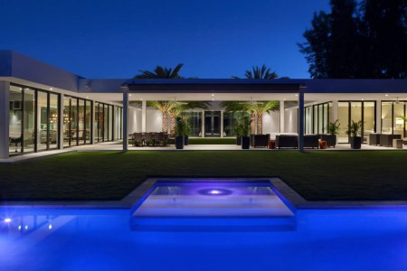contermpoary residence in boca raton by marc michaels interior design 16