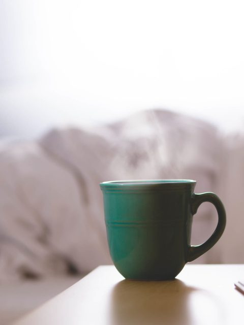 Buongiorno a letto con caffè