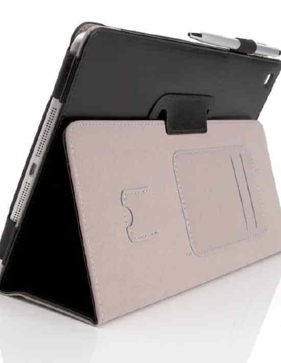 Mit Knick und Fach für SD-Karte: Je nach Anwendungsfall bietet der Markt eine breite Spanne an nützlichen Tablet-Hüllen.