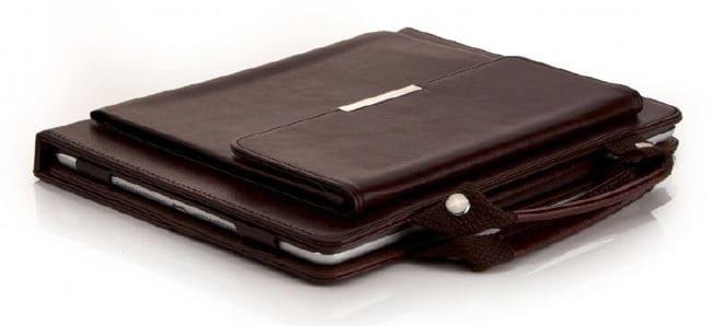Aufsatztasche und Handgriffe machen Tablet-Hüllen businesstauglich - hier eine Mobiletto Torino.