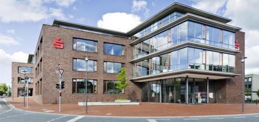 Die Sparkasse Emsland – hier die Hauptstelle in Meppen – setzt auf Spartacus FM für ihr Facility Management