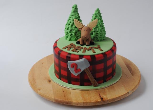 Moose Cupcake Cake