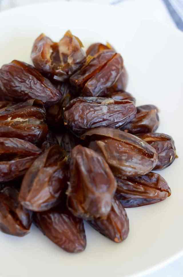 5-Ingredient Indulgent Date Bites   CaliGirlCooking.com