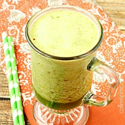 Spinach Apricot Coconut Oil Smoothie