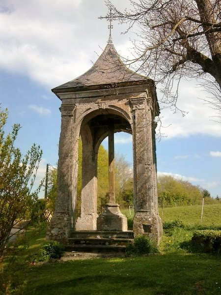Calvaire XVIIIème siècle D963 Lieu-dit La Croix de Trélon