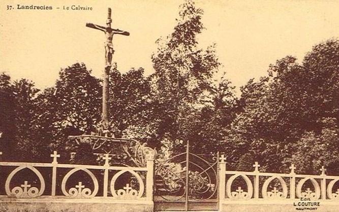 Un calvaire existait vers 1900.