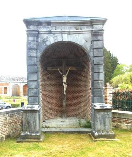 calvaire près de l'église
