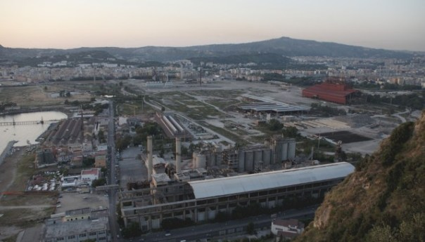 La colmata di Bagnoli dovrà essere rimossa dalla Fintecna che è subentrata alla ILVA