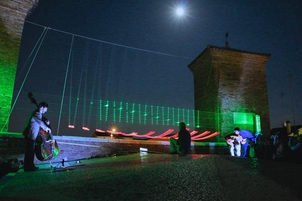 ARPA DI LUCE A COMACCHIO. 30 MAGGIO 2015. FOTO DI ANDREA SAMARITANI / ARCHIVIO COMUNE DI COMACCHIO