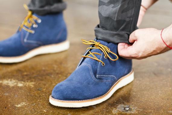 bota-nobuck-azul-cadarcos-amarelos