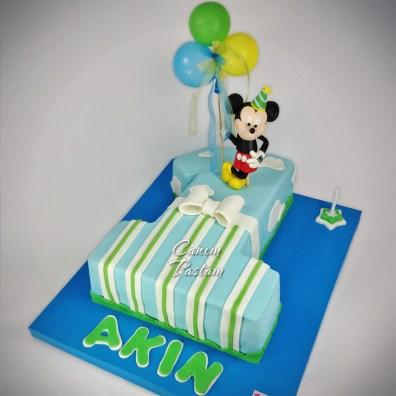 1 şeklinde pasta Miki pasta 1 yaş pastası
