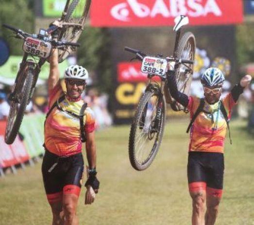 Ruben Folgado cycling with Sergio Paz