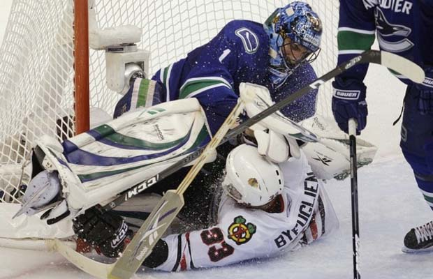 Roberto Luongo and Dustin Byfuglien