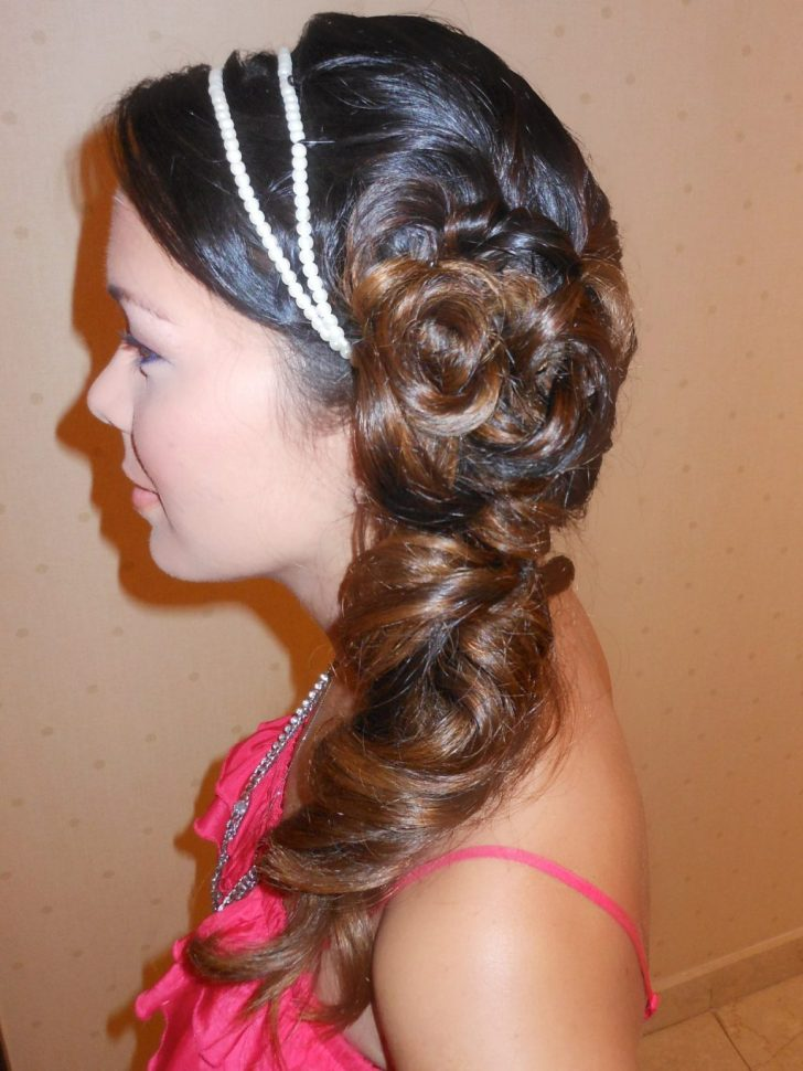 Spice Up Your Side Pony Tail By Adding Patterns And Details To Your