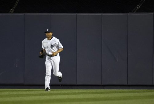 Mariano Rivera prepares to notch his career-best 10th April save in last night's game against the Astros. (Photo: Reuters)