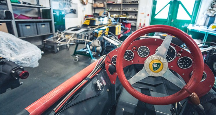 INSIDE_CLASSIC_TEAM_LOTUS7