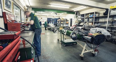 INSIDE_CLASSIC_TEAM_LOTUS8