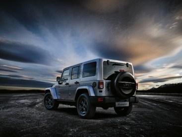 arriva-in-italia-la-jeep-wrangler-black-edition-150224_jeep_wrangler-black-edition_02