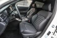 Il posto di guida è ergonomicamente molto funzionale. Tutto è a portata di mano, ma soprattutto immediatamente utilizzabile.
