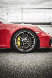 MERCEDES AMG GT R vs PORSCHE 911 GT3 4