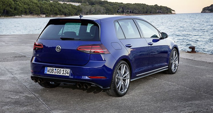 Volkswagen Golf R First Drive