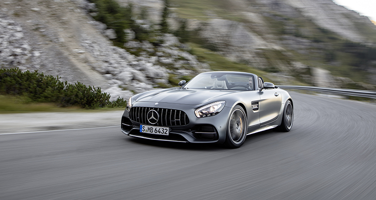 AMG GT C Roadster (R 190), 2016; Exterieur: designo selenitgrau magno; Interieur: Leder Nappa Exklusiv macchiatobeige ;Kraftstoffverbrauch kombiniert: 11,4 l/100 km, CO2-Emissionen kombiniert: 259 g/km*  AMG GT C Roadster (R 190), 2016; exterior: designo selenit grey magno; interior:Nappa leather exclusive macchiato beige;fuel consumption, combined: 11.4 l/100 km; combined CO2 emissions: 259 g/km*