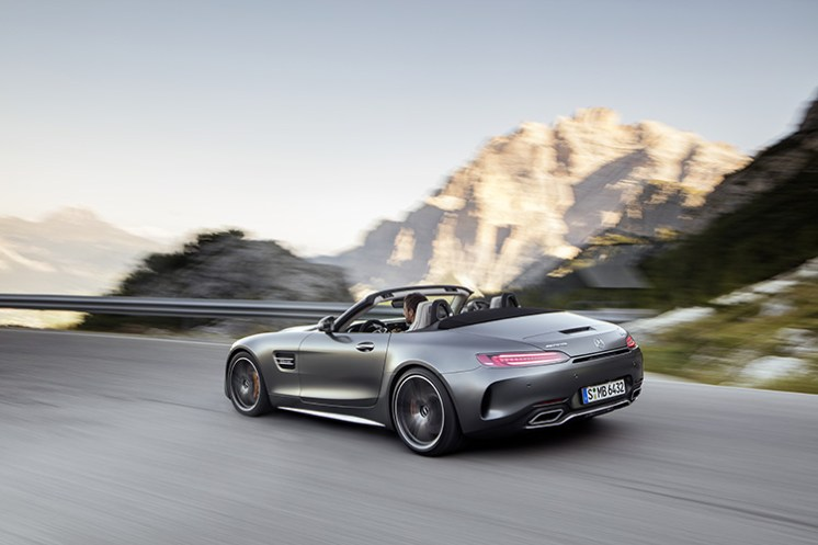 AMG GT C Roadster (R 190), 2016; Exterieur: designo selenitgrau magno; Interieur: Leder Nappa Exklusiv macchiatobeige;Kraftstoffverbrauch kombiniert: 11,4 l/100 km, CO2-Emissionen kombiniert: 259 g/km* AMG GT C Roadster (R 190), 2016; exterior: designo selenit grey magno; interior:Nappa leather exclusive macchiato beige;fuel consumption, combined: 11.4 l/100 km; combined CO2 emissions: 259 g/km*