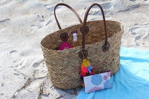 Cara Lynn blog beach bag essentials
