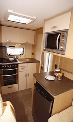 Bessacarr E435 kitchen