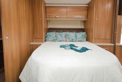 Swift Challenger bedroom