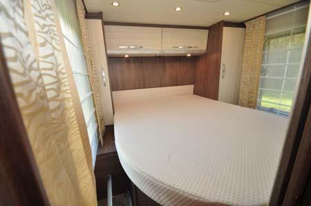 Burstner Ixeo Time IT745 Bed
