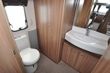 Swift Conqueror 565 Washroom