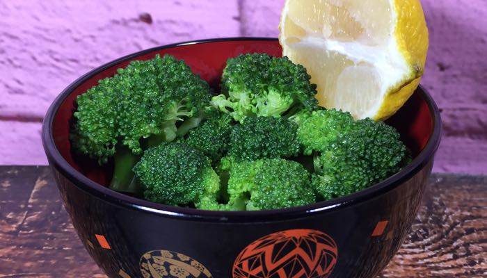 Broccoli with Lemon Butter Low-Carb Fat Fast Recipe