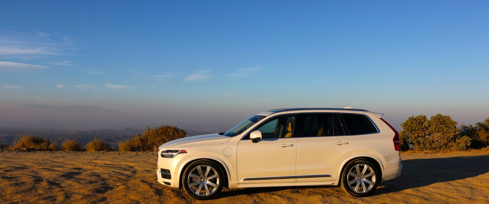 2016_Volvo_XC90_T8_Inscription_034
