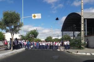 protesto estudnates escola referencia