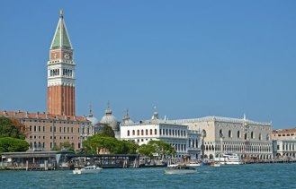 Campanile y Palazzo Ducale frente a Dorsoduro