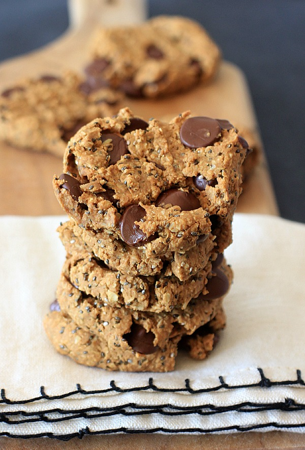 Oatmeal-Peanut-Butter-Chia-Chocolate-Chip-Breakfast-Cookies