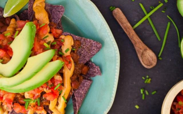 10 Minute Vegan Chili Cheese Nachos
