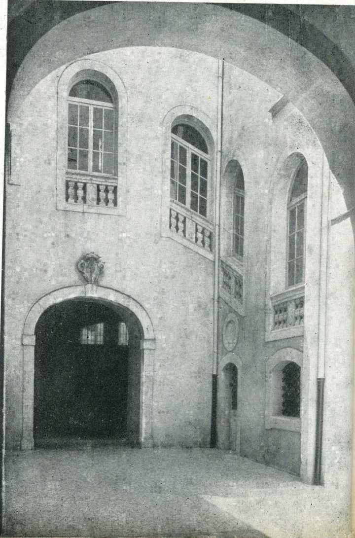 Cortile Palazzo Calapaj - D'Alcontres
