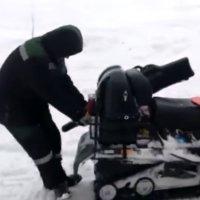 Gefräßiges Schneemobil