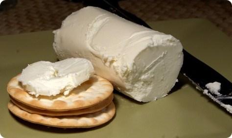 Come congelare latte e formaggi per averli sempre pronti all'uso