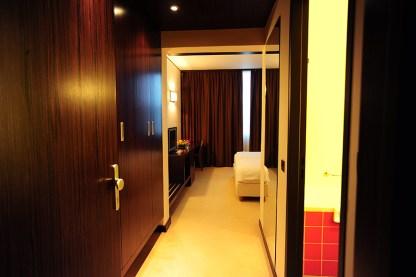 Hotel Safir entry