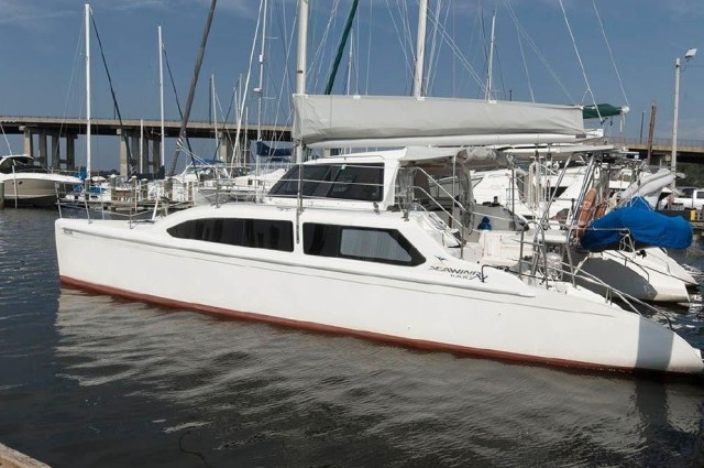 2010 Seawind hull