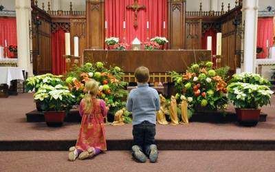 Mass Manners:  Simple Do's and Don'ts for Modern Families