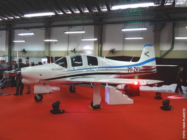 A aeronave T-Xc apresentada no dia 31 de março em São José dos Campos, interior de São Paulo. (Foto: Ivan Plavetz / Novaer)