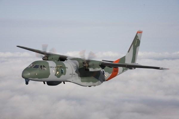 Aeronave SC-105 terá equipamentos específicos para a missão, como radar e sistema eletro-ótico.