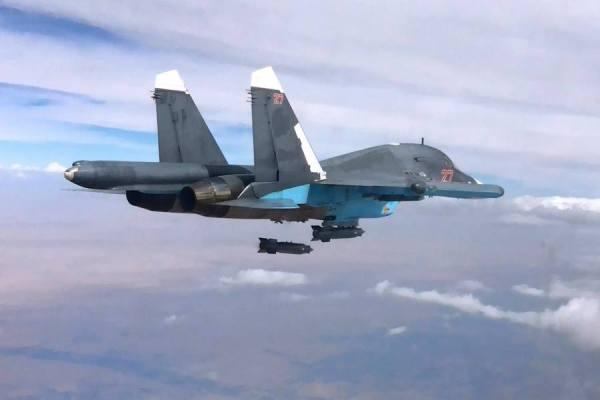 Su-34 da VKS durante uma missão de bombardeio contra posições do EI na Síria (1)