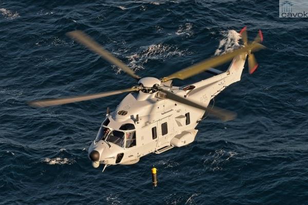 O primeiro helicóptero NH90 anti-submarino entregue para Suécia. (Foto: NHIndustries)