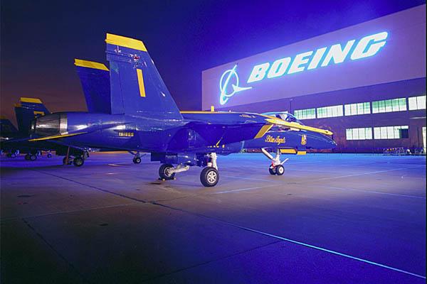 A Boeing vai iniciar o estudo para converter os nvoso Super Hornets para os Blue Angels.