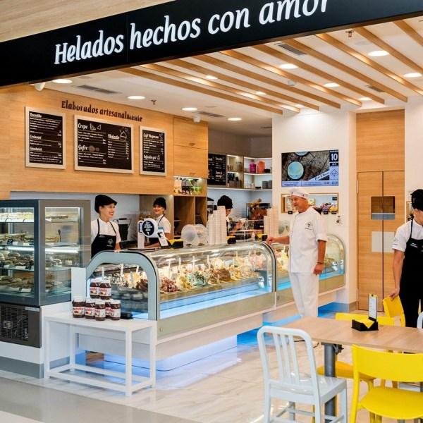 Helamore CC Atlántico Vecindario, Gran Canaria 00